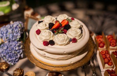 עוגת חתונה או קינוחים אישיים?